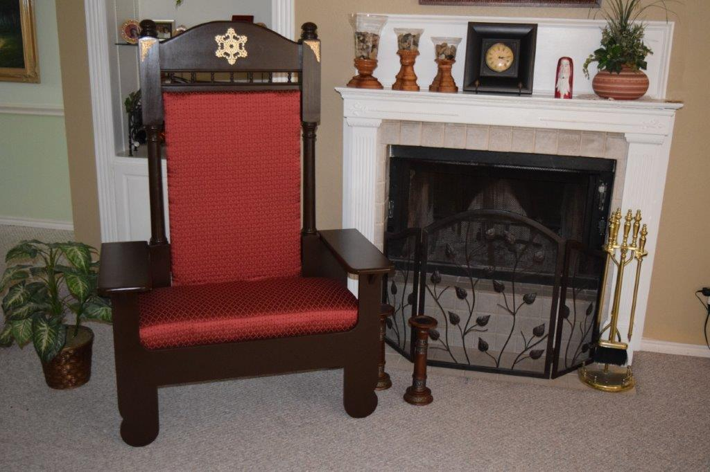 high quality Santa chair for rent in Dallas, Fort Worth