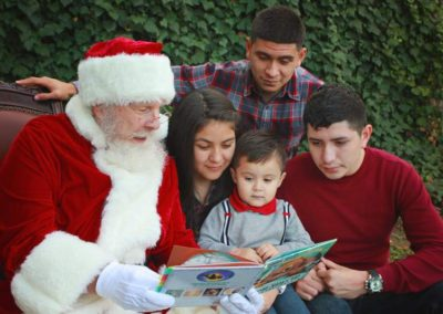 Santa David - DFW real beard Santa Claus who loves kids