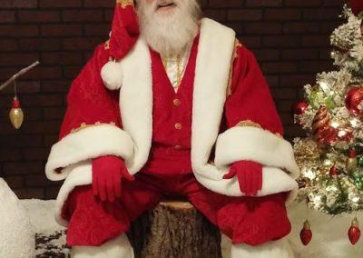 Santa Emmett - passionate real beard Santa