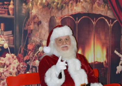 friendly Santa Hal for gift deliveries